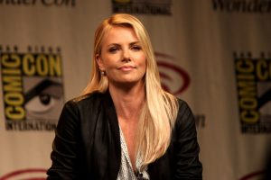 CHARLIZE THERON height and weight