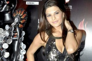 JACQUELINE FERNANDEZ  height and weight