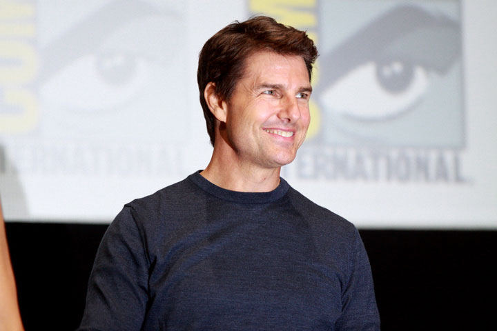TOM CRUISE weight in 2020