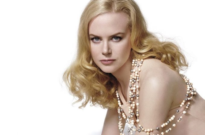 Nicole Kidman hot and sexy boobs